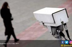 Polisi Buru Pasangan Remaja yang Terekam CCTV Berbuat Terlarang di Kawasan Pasir Putih - JPNN.com