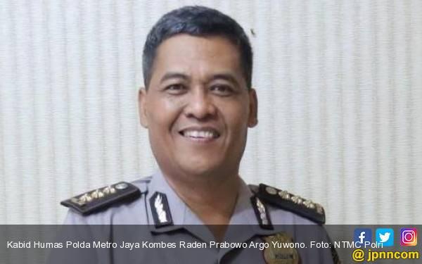 Polda Metro Periksa Saksi yang Amankan Cangkir Kasus Novel - JPNN.com