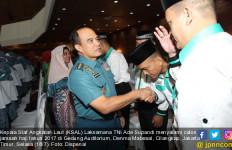 KSAL Lepas Calon Jamaah Haji TNI AL 2017 - JPNN.com