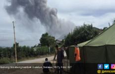 Gunung Sinabung Kembali Erupsi, Warga Diimbau Jauhi Zona Merah - JPNN.com