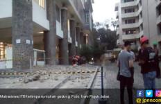 5 Mahasiswa ITB Tertimpa Runtuhan Gedung, Ada yang Jari Manisnya Putus, Kepala Luka... - JPNN.com
