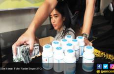 Toko Penjual Obat Keras dan Kedaluwarsa Digerebek Ormas - JPNN.com