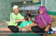 Cerita Tukang Pijat Naik Haji, Dua Kali! - JPNN.com