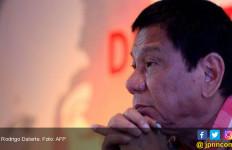 Baku Tembak 25 Orang Tewas, Papa Menyalahkan Rodrigo Duterte - JPNN.com