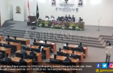 Wow! Uang Pulsa Anggota DPRD Naik 700 Persen, Cukup Buat Beli Motor - JPNN.com