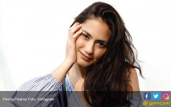Pevita Pearce Jadi Perempuan Timor Leste - JPNN.com