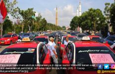Ribuan Sopir Taksi Konvensional Demo Tolak Taksi Online - JPNN.com