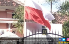 Kibar Bendera Merah Putih Terbalik, PKS Minta Maaf - JPNN.com