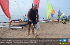 Bule Australia Tinggal di Bali, Tiap Hari Memungut Sampah demi... - JPNN.com