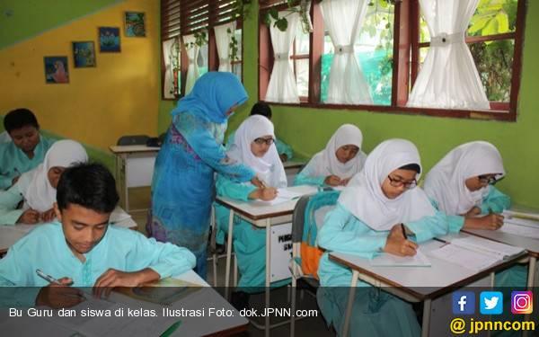 Jika Sudah Rekrutmen CPNS, Guru PNS di Swasta Harus Ditarik - JPNN.com