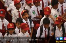 Surat Edaran Kemendikbud: Ortu Siswa Diimbau Ikut Upacara HUT ke-74 RI - JPNN.com