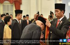 Selamat! Hasyim Muzadi dan Bagir Manan Terima Bintang Mahaputra - JPNN.com