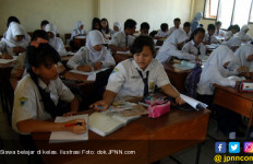 Korwil Hononer K2: Siswa Lebih Senang Diajari Guru daripada Teknologi - JPNN.com