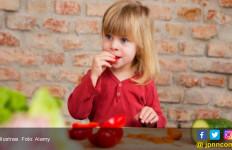 Catat Ya Moms, Cara Mudah Membujuk Si Kecil Makan Sayur - JPNN.com