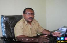 Bupati Tambrauw Raih Penghargaan Satya Lencana Pembangunan - JPNN.com
