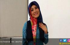 Tak Mau Kalah dari Milenial, Cici Paramida Aktif Rayakan Kemerdekaan - JPNN.com