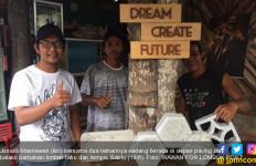 Junaidi Membuat Paving dan Batako dari Limbah Tahu Tempe, Awalnya Dicibir - JPNN.com
