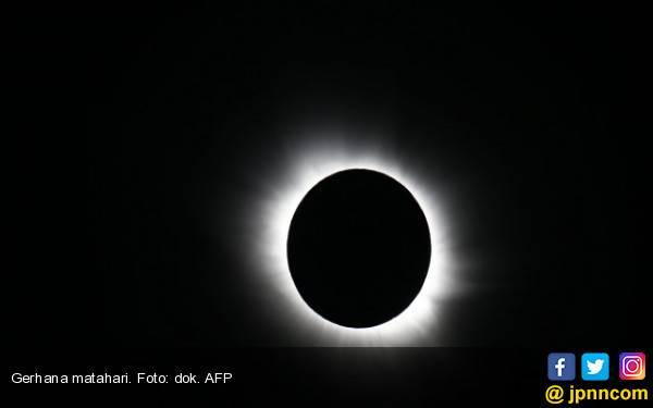 Warga Cile Tersihir Pesona Gerhana Matahari Total - JPNN.com