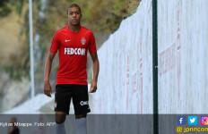 AS Monaco Memanas, Mbappe Berkelahi dengan Rekan Satu Tim - JPNN.com