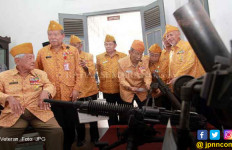 Hari ini, Para Veteran Gratis Naik Kereta - JPNN.com