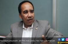 Usai Dilantik, Wali Kota Baru Siap Batalkan Kerja Sama dengan Pihak Ketiga - JPNN.com
