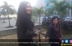 Hikss, Denada Tambunan Sedih Ditinggal Lama - JPNN.com