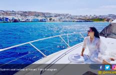 Dicari Petugas Pajak, Syahrini Malah Asyik Bikin Video Klip di Yunani  - JPNN.com