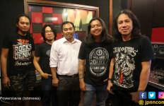 Proyek Sampingan, Vokalis Powerslaves Bikin Orkes Lagu Jawa - JPNN.com