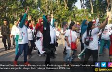 Puspa 2017, Menteri Yohana Senam Bareng Anak dan Perempuan Surabaya - JPNN.com