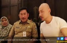 Datangi Kantor Samsat, Deddy Corbuzier Buktikan Sudah Lunas Bayar Pajak - JPNN.com