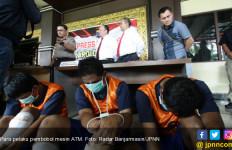 Iwan Cs Bobol Mesin ATM dengan Tusuk Gigi, Begini Caranya - JPNN.com