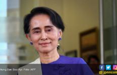 Komisioner HAM PBB Minta Aung San Suu Kyi Lengser - JPNN.com