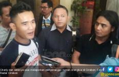 Diduga Karena Pilkades, Begini Kronologi Penyerangan Rumah Orangtua Charly Setia Band  - JPNN.com