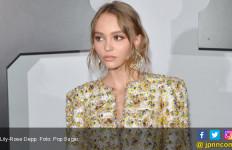 Masih ABG, Putri Johnny Depp Sudah Berani Topless - JPNN.com