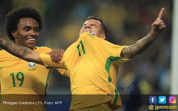 Paulinho dan Philippe Coutinho Bawa Brasil Mantap di Puncak - JPNN.com