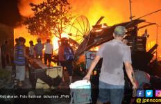 Tempat Hiburan Malam Dilalap Si Jago Merah - JPNN.com