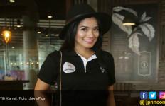 Titi Kamal Rela Berkorban Demi Keluarga - JPNN.com