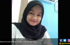 Manisnya Senyum Dina, Polwan yang Pernah Bercita-cita jadi Dokter - JPNN.com