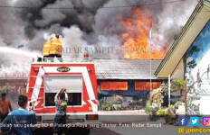 Pembakaran 7 Gedung SD, Yansen Binti Serahkan Uang di Garasi - JPNN.com