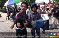Warga Pingsan saat Berdesakan Berebut Gas Elpiji 3 Kg - JPNN.com