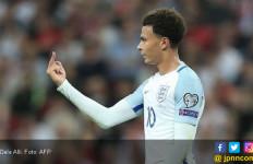 Gara-Gara Jari Tengah, Dele Alli Kena Sanksi FIFA - JPNN.com