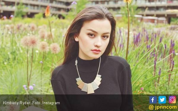 Tampil Alami, Kimberly Ryder Lebih Suka Riasan Sederhana - JPNN.com
