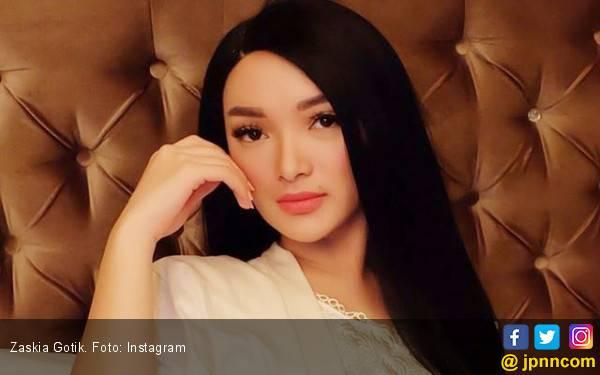 Zaskia Gotik Bakal Jarang Pulang Selama Ramadan - JPNN.com