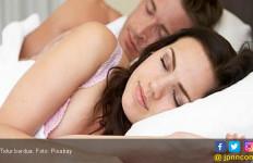 Berhubungan Intim Sebelum Tidur Bisa Tingkatkan Mood? - JPNN.com
