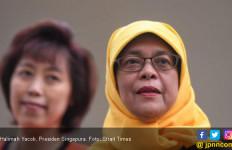 Aksi Diam dan Tagar Not My President untuk Halimah Yacob - JPNN.com