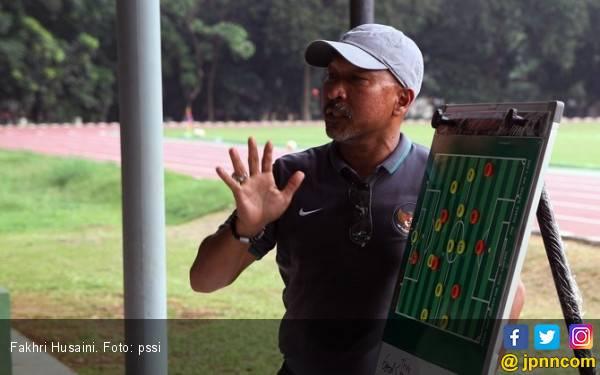 Fakhri Husaini Sebut Alumni Garuda Select Belum Tentu Masuk Skuat Timnas U-19 - JPNN.com