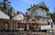 Imam Mengamuk Rusak 17 Rumah, Bakar Motor Koramil - JPNN.com