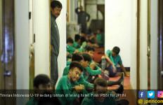 Gara-Gara Ini, Timnas U-19 Terpaksa Latihan di Lorong Hotel - JPNN.com