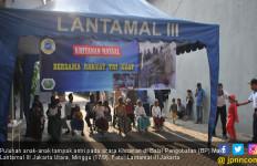 Lantamal III Gelar Karya Bakti dan Khitanan Massal - JPNN.com