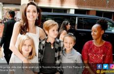 Angelina Jolie Kesulitan urus 6 Anak Tanpa Brad Pitt - JPNN.com